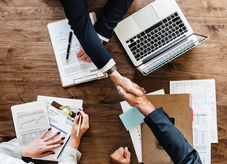Investe em feira de negócios? Saiba como a assessoria de imprensa pode ajudar
